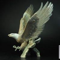 LLADROリヤドロ「飛び立つ鷲」