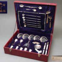 山崎謹製 銀食器セット 純銀刻 鳳凰文 酒器揃・銀製刻 スプーン・銀製刻鳳凰文金具