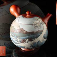 常滑名人 吉川雪堂作 壷堂刻「富士三十六景 駿河薩夕之海上」朱泥彩色細密画急須